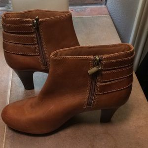 Shoes - Clark's heeled boots